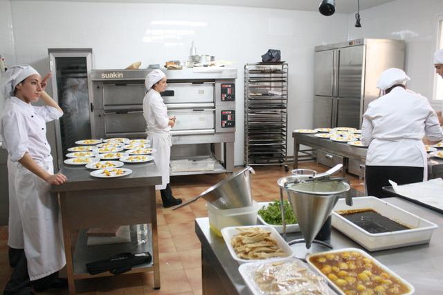 Ayuntamiento de mor n de la frontera galer a de im genes for Cocina de restaurante